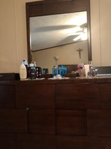 Dresser with mirrow new conditions in Quantico, Virginia