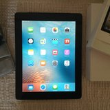iPad 9.7 16gb 3G in Yucca Valley, California
