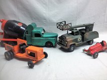 Consignment Auction Antiques and Collectables in Elgin, Illinois