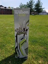 Women's golf clubs and bag - gently used in Fort Knox, Kentucky