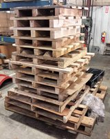Free Wooden Pallets Skids in Plainfield, Illinois