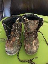 Sz 11 camo boots in Alamogordo, New Mexico