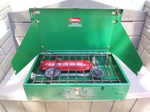 New Vintage Wide Coleman 2 Burner Camping Stove 413F499 Liquid Fuel *READ* in Fairfield, California