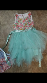 Size 6 girls dresses in Fort Riley, Kansas