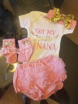 BRAND NEW Complete outfit----BLING pink and gold with tutu----6 PIECES in Baytown, Texas