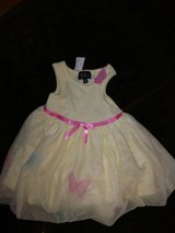Girls dress...size 12 months new in Coldspring, Texas