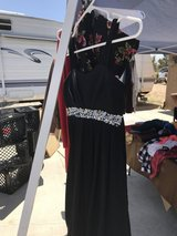 Dress girls in Yucca Valley, California