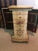 Jewelry chest in Kingwood, Texas