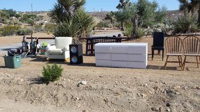 Curb Alert - moving and it has to go!! in Yucca Valley, California