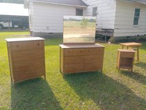 Dressers and bedside table in Warner Robins, Georgia
