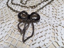 Vintage Pendant on Chain Marcasite Bow with Several Faceted Black Stones Inlaid Mint Condition in Kingwood, Texas
