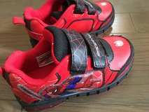 Size 10 Spiderman Boy's Light Up Sneakers Shoes in Okinawa, Japan