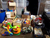 massive carboot bundle, will not hold. collection ASAP in Lakenheath, UK