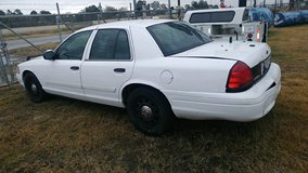 2009 crown vic cop car in Cleveland, Texas