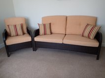 In/outdoor Loveseat and Chair w/pillows in Lakenheath, UK