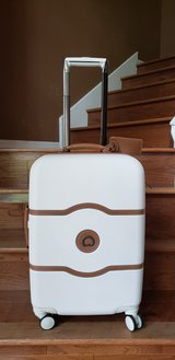 Gorgeous Brand New Delsey Luggage Chatelet Hard+ 21 Inch Carry on 4 Wheel Spinner, Champagne in Kingwood, Texas