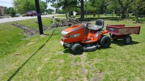 lawnmower, riding in Baytown, Texas
