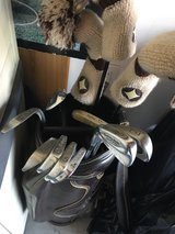 Beginners Golf clubs for the Lefty in Tinley Park, Illinois