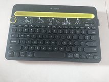 Bluetooth tablet/cell phone keyboard in Osan AB, South Korea