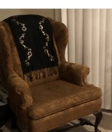Wing back Chairs Gold/bronze in Pasadena, Texas