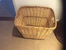 LARGE DUAL COLOUR WEAVE OPEN BASKET in Lakenheath, UK