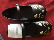 Gymboree girls cat shoes size 10 in Aurora, Illinois
