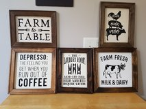 Handcrafted Farmhouse Signs in Chicago, Illinois
