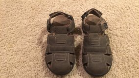 Boys Size 6 Brown Leather Sandals in Bolingbrook, Illinois