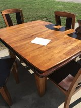 Table with 4 chairs in Fort Riley, Kansas