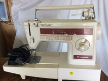 Vintage Singer Dressmaker Sewing Machine with Foot pedal in Orland Park, Illinois