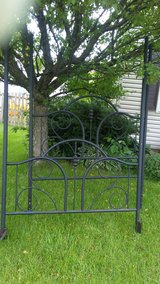 Canopy Bed Frame Metal in Bolingbrook, Illinois