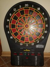 Dartboard takes 4  D batteries 4 player in Glendale Heights, Illinois