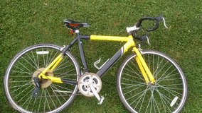 Gmc road bike in Fort Campbell, Kentucky