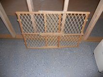 baby gate wood expandable in Chicago, Illinois