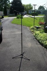 MICROPHONE STAND in Yorkville, Illinois
