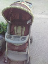 Evenflo easy fold stroller in Fort Campbell, Kentucky