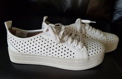 Mossimo platform perforated tennis shoe sneaker in Aurora, Illinois