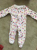 6-9 month double zip pj in Chicago, Illinois