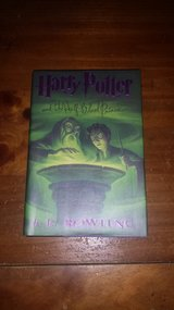 Like new! #6 Harry Potter and the Half-Blood Prince Hardcover Book in Bolingbrook, Illinois