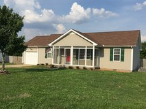 Gorgeous 3 Bed 2 Bath Home Near Exit 1 in Fort Campbell, Kentucky