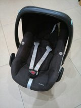 Reduced!!Maxi Cosi/ Babyseat/ Baby carrier/ child safty seat in Ramstein, Germany