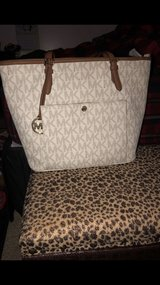 michael Kors purse in Lockport, Illinois