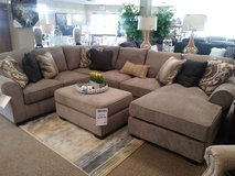 Beautiful Modular Sectional & Ottoman in Cincinnati, Ohio