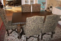 Dining Room Table and 6 Upholstered  Chairs in Fort Campbell, Kentucky
