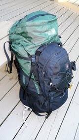 THE NORTH FACE Stamina back pack hiking internal frame M/M & Summit day bag in Orland Park, Illinois