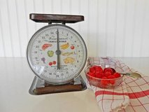 Vintage American Family Kitchen Scale Farmhouse Usable in Travis AFB, California