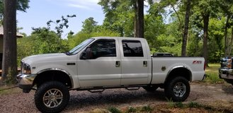 2003 F250 4WD V10 6.8L in Cleveland, Texas