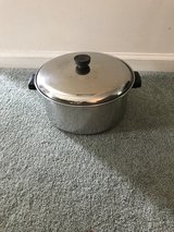 5 Quart Stainless Steel Pot in Algonquin, Illinois