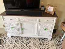 Beautiful TV Stand in Alamogordo, New Mexico
