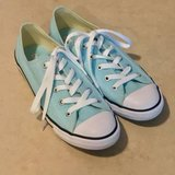 Women's LowTop Converse Shoes Worn Once Size 8 in Travis AFB, California
